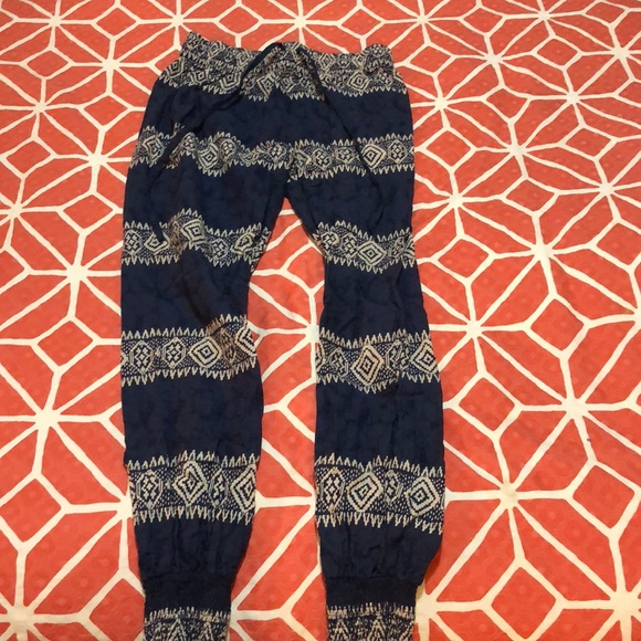 Artisan Ny Pants - Cute flowy pants